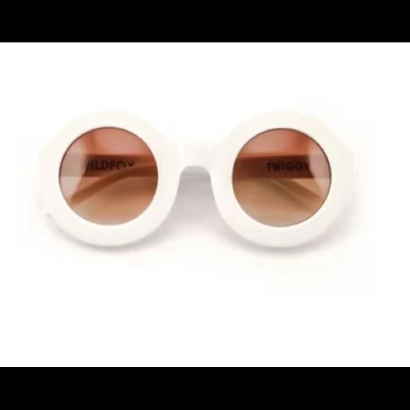 "8b59d3b4c8 Wildfox White ""Twiggy"" Deluxe Sunglasses. M 5b2a95a412cd4ac8bf35e39a"